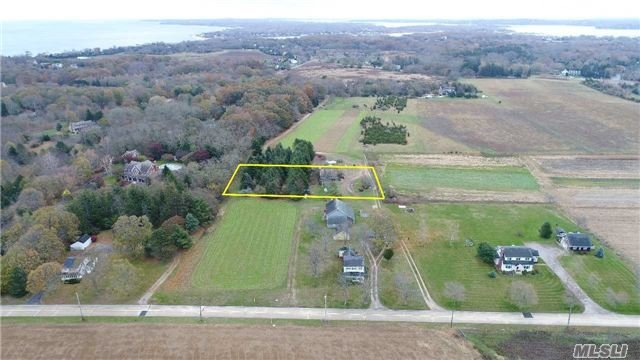 Photo of home for sale at 4832 Youngs Ave, Southold NY