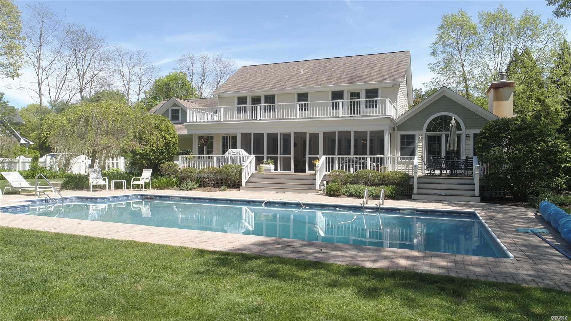Photo of home for sale at 43 Nidzyn Ave, Remsenburg NY