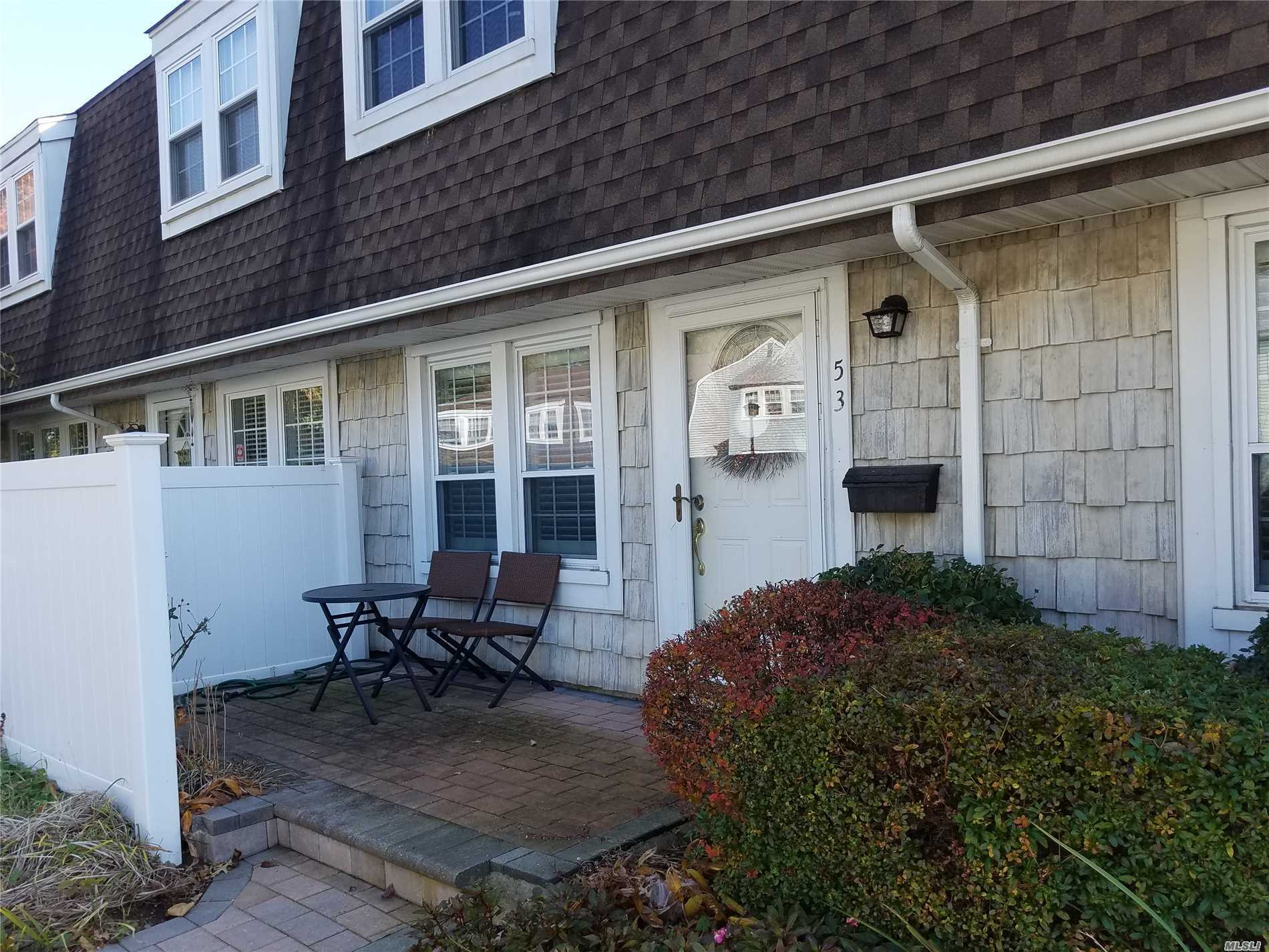 Property for sale at 53 Whalers Cv, Babylon,  NY 11702