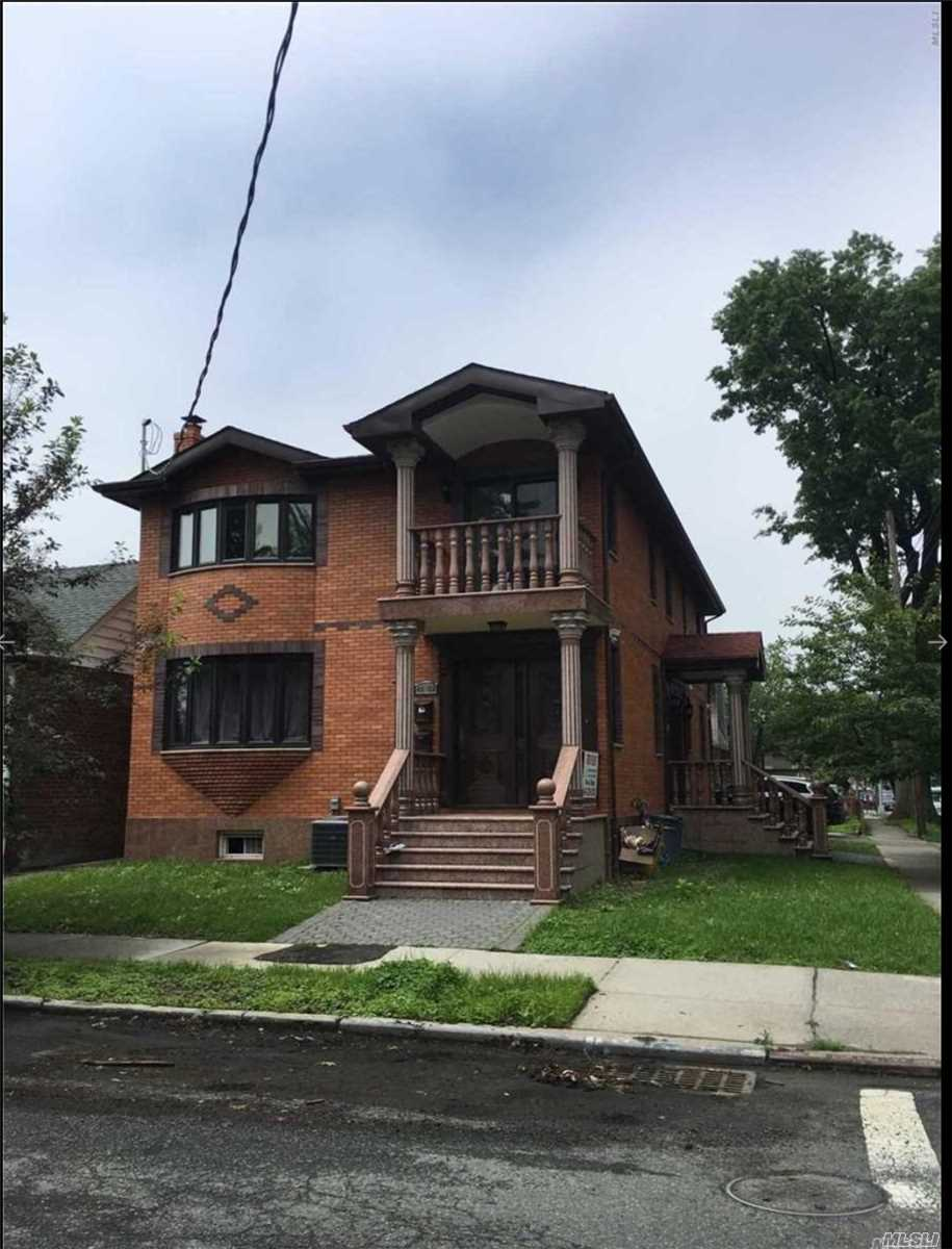 Photo of home for sale at 42-02 193rd St, Flushing NY