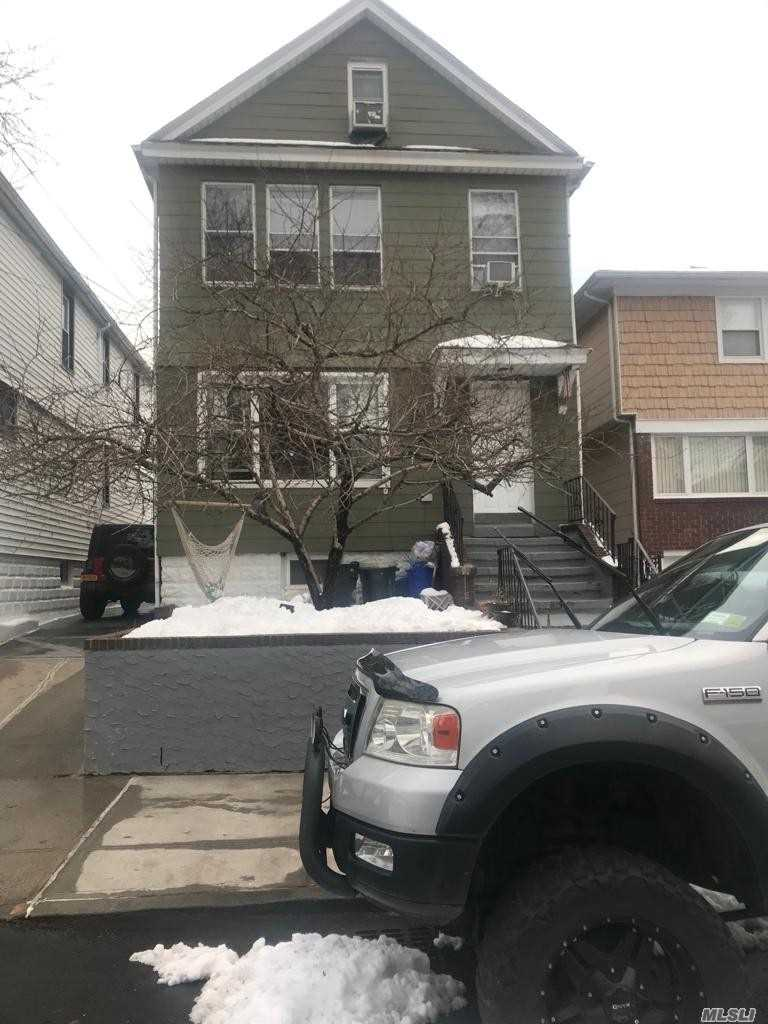 Photo of home for sale at 119-38 8 Ave, College Point NY
