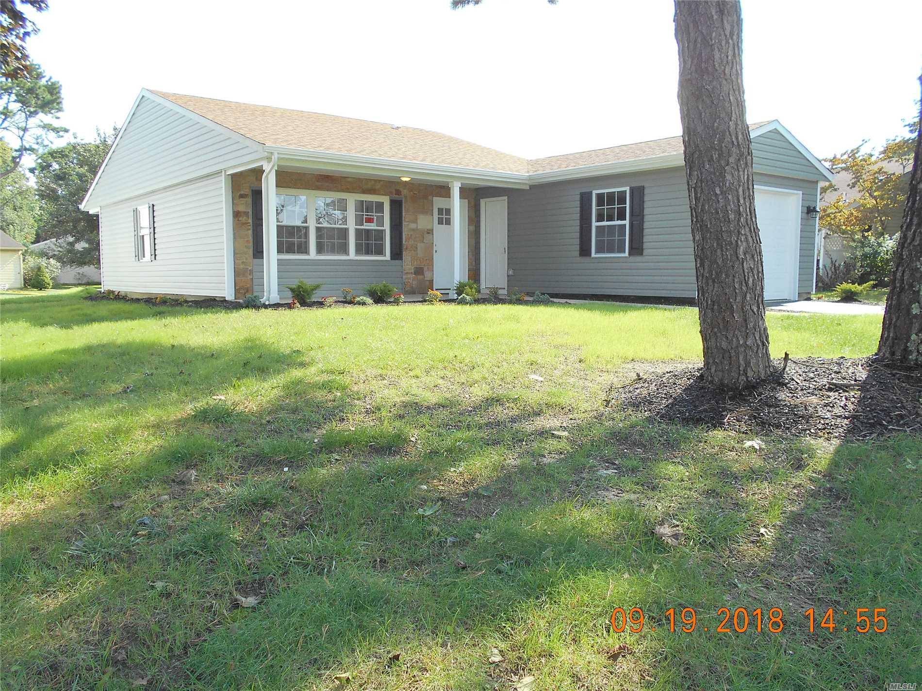 Property for sale at 176 Kingston Dr, Ridge,  NY 11961