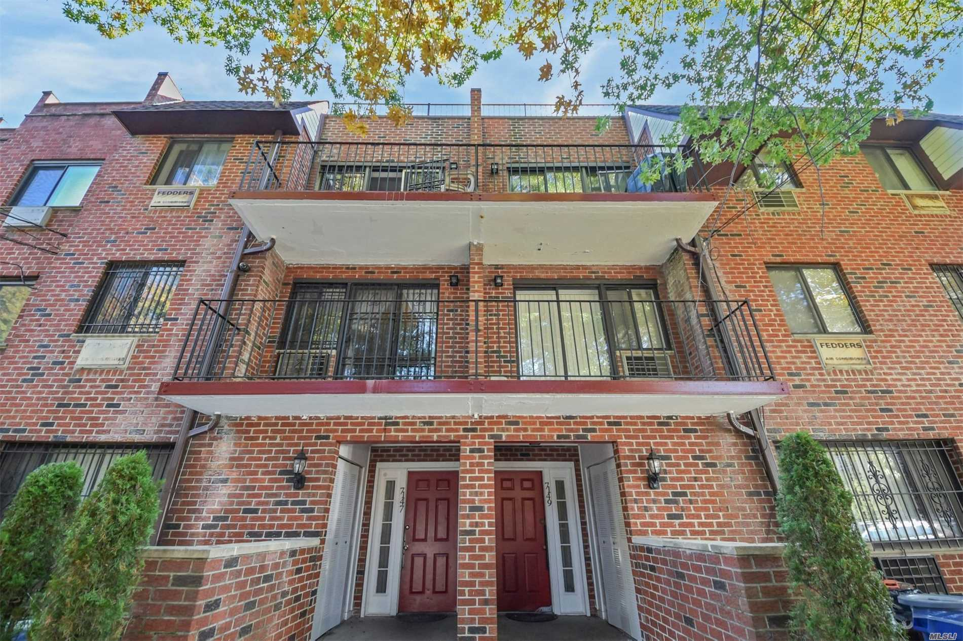 Photo of home for sale at 71-47 162 St, Fresh Meadows NY