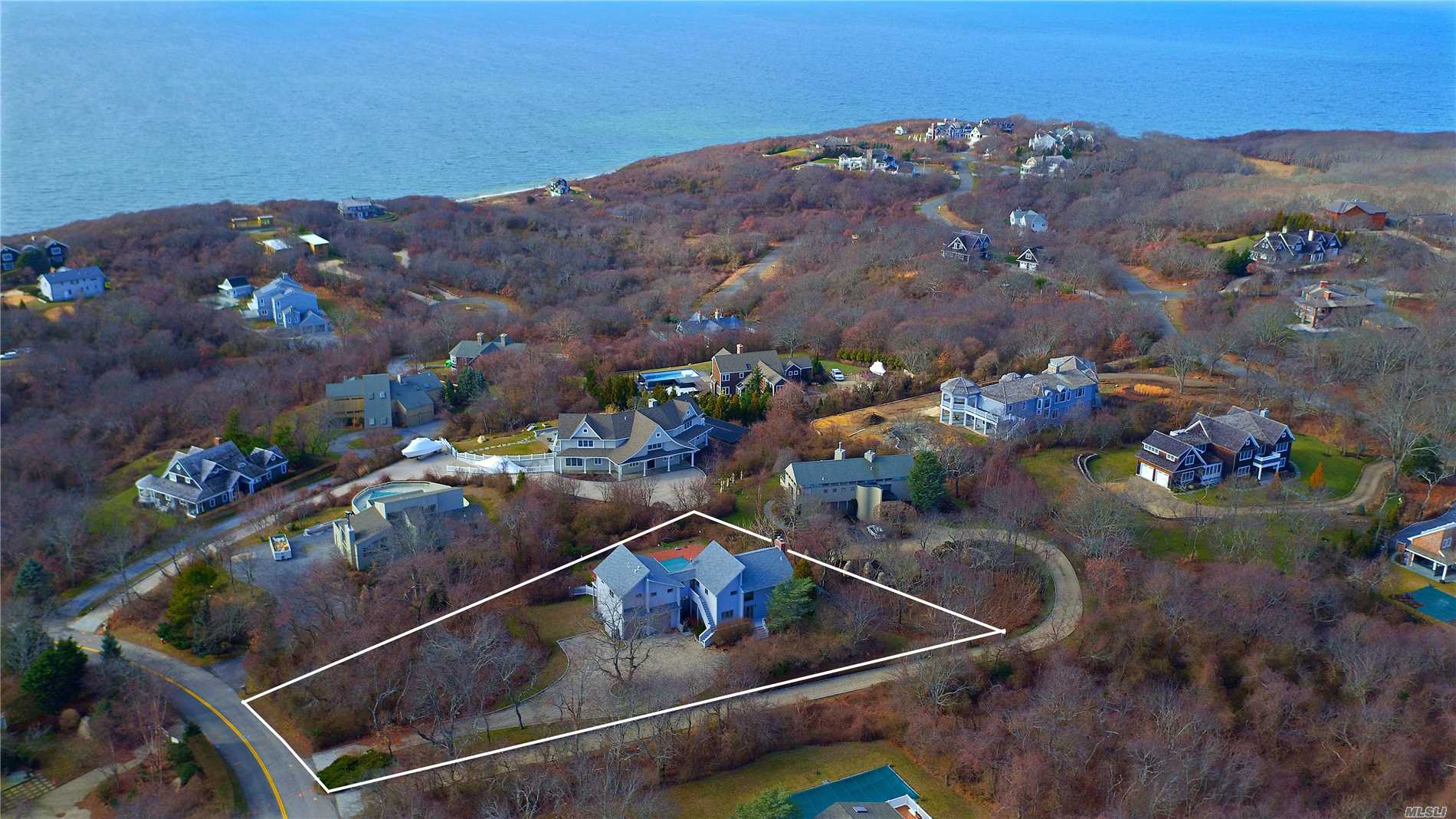 Photo of home for sale at 38 Kettle Hole Rd, Montauk NY