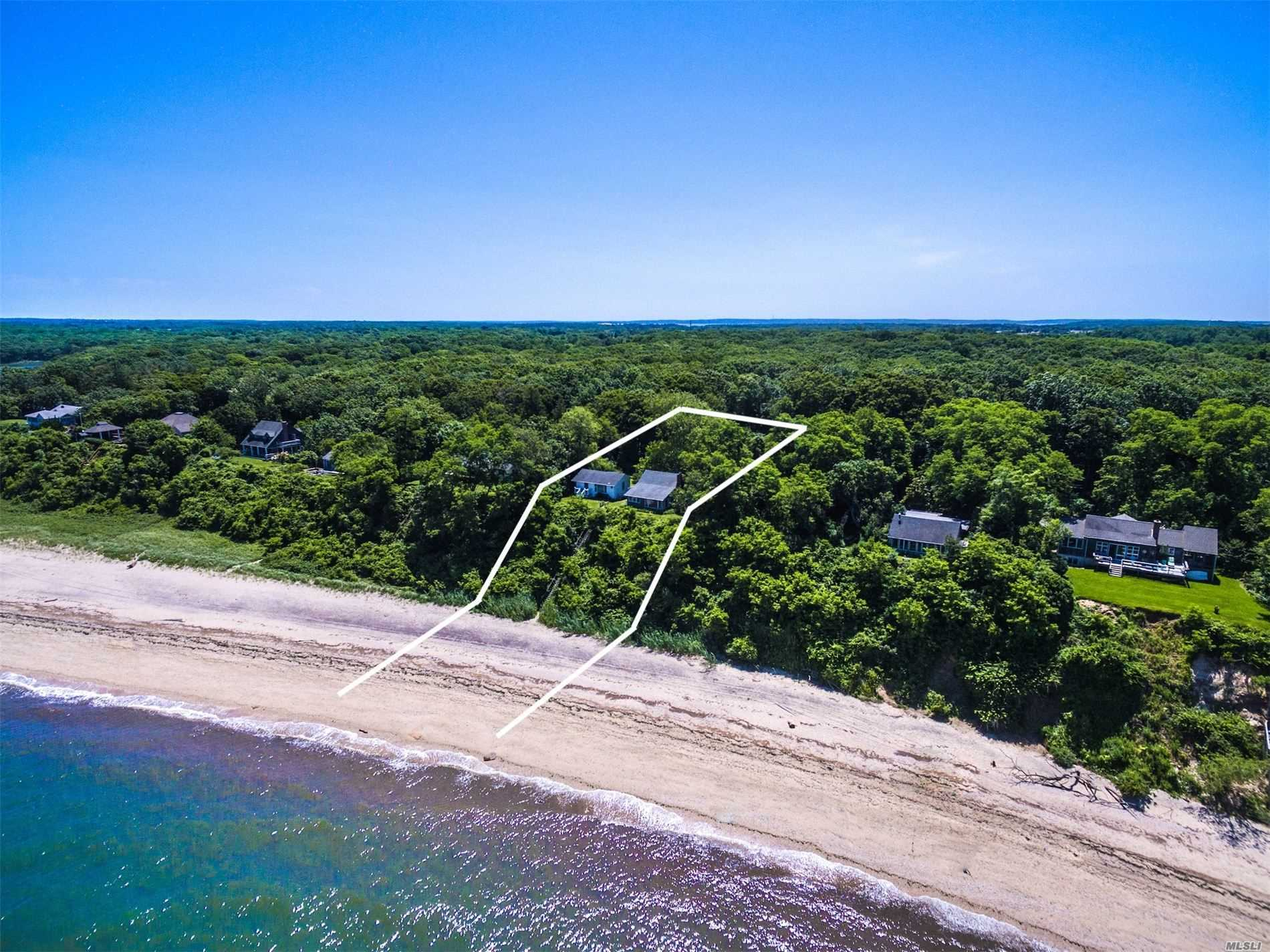Photo of home for sale at 1010 Salt Marsh Ln, Peconic NY
