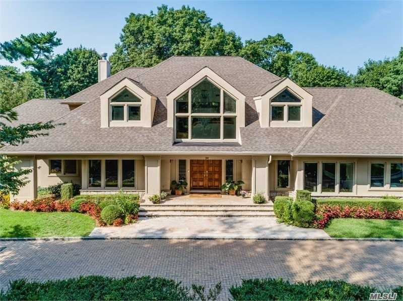 Photo of home for sale at 34 The Pines, Old Westbury NY
