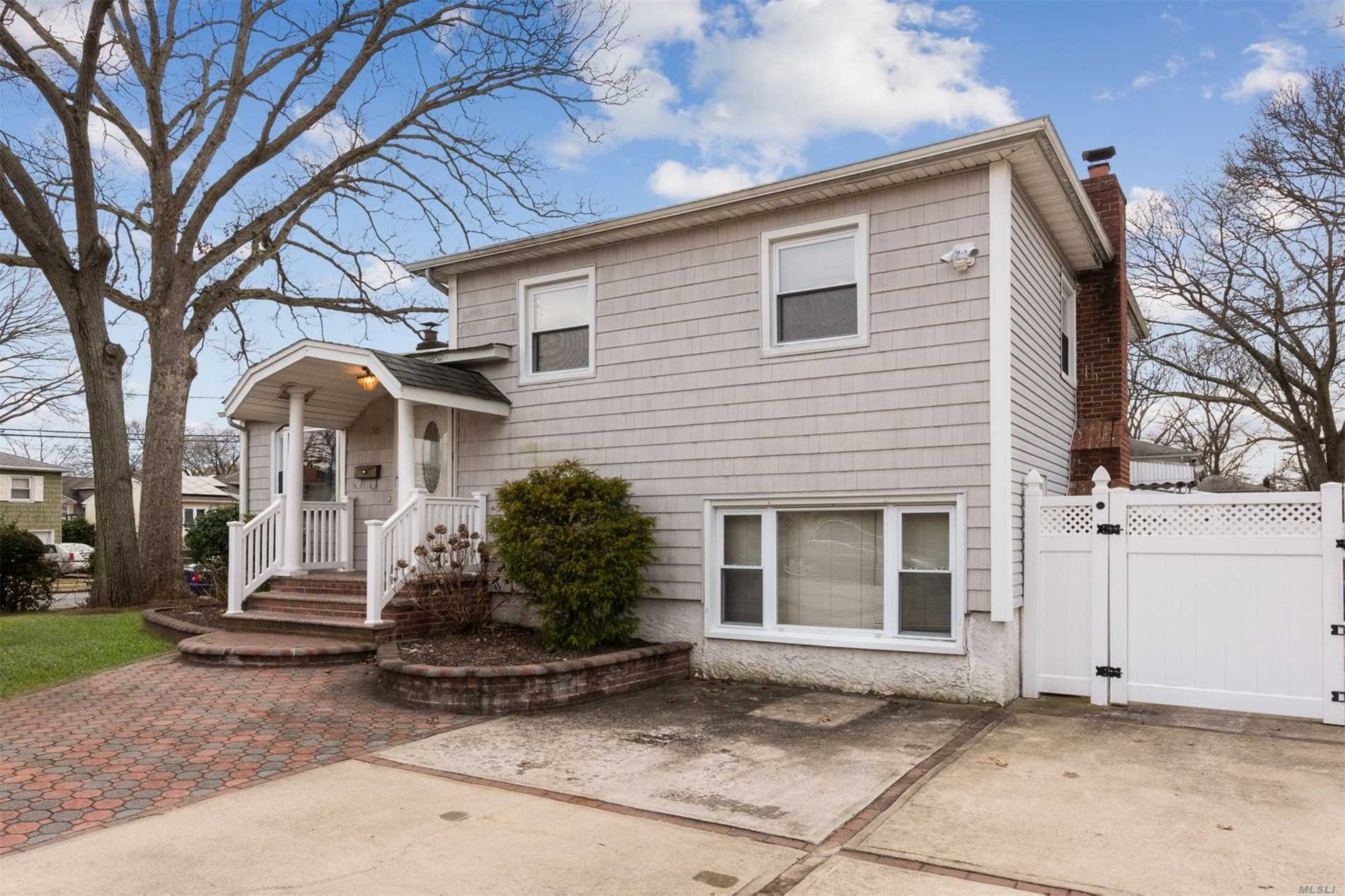 Photo of home for sale at 56 Linden Pl, Roosevelt NY
