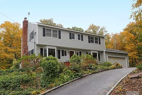 Photo of home for sale at 124 Centerport Rd, Centerport NY