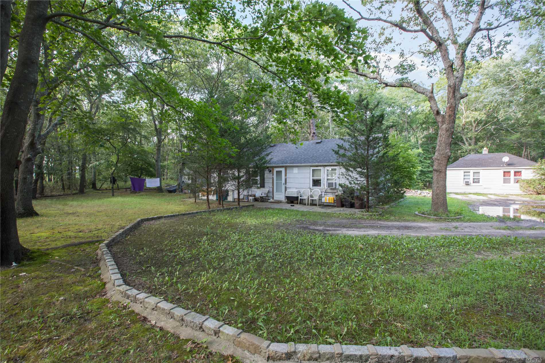 Photo of home for sale at 149 Old Country Road, Remsenburg NY
