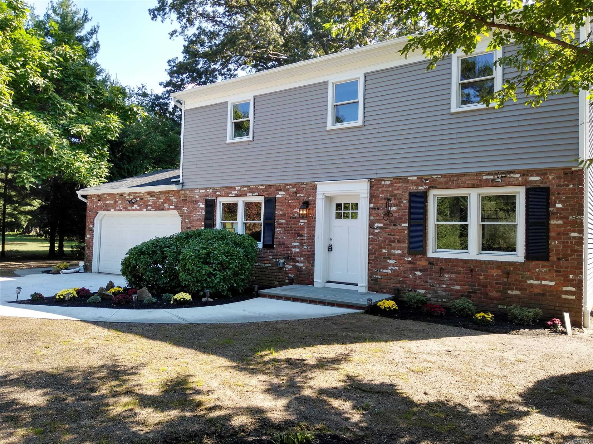 Photo of home for sale at 55 Clinton Rd, Garden City NY