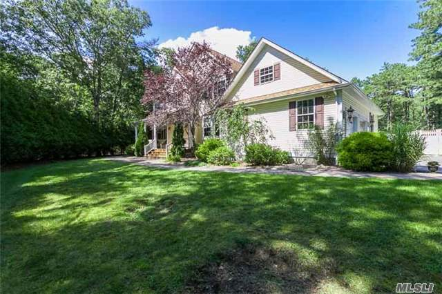 Photo of home for sale at 465 Moriches Middle Rd, Manorville NY