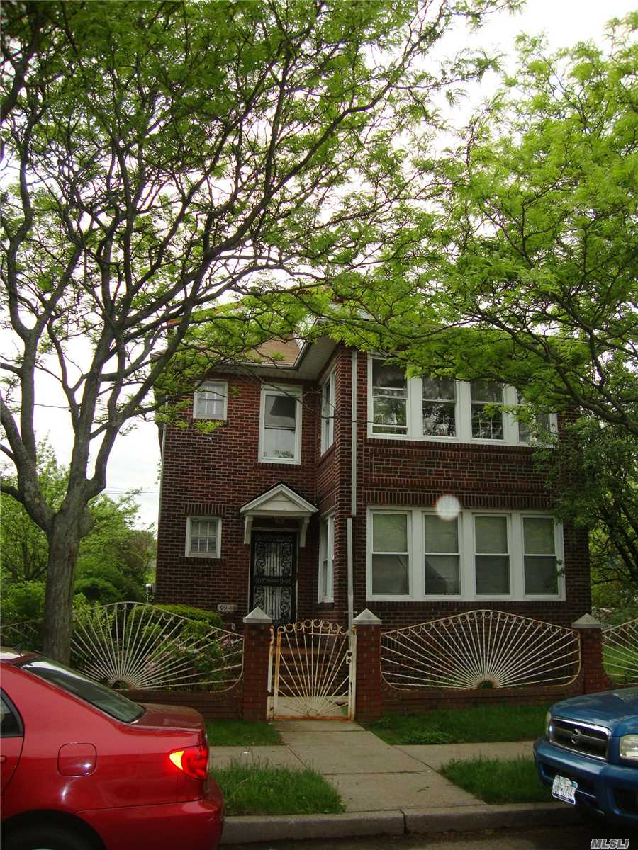 Photo of home for sale at 109-46 139th St, Jamaica NY