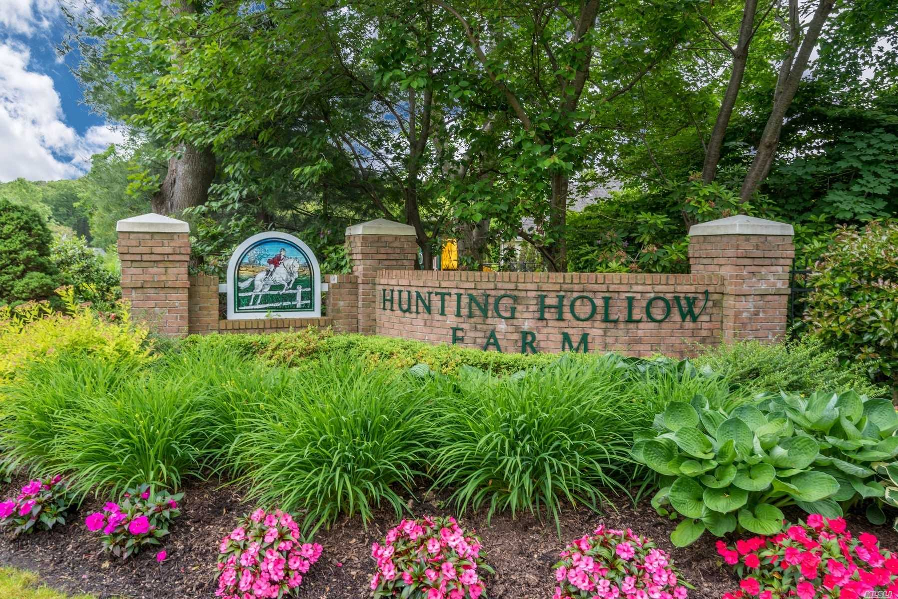 Photo of home for sale at 42 Hunting Hollow C, Dix Hills NY