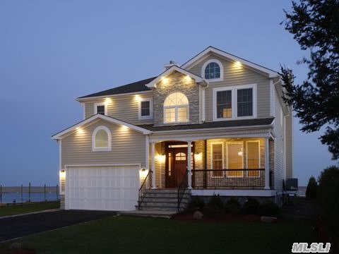 Photo of home for sale at 3688 Ocean Ave, Seaford NY