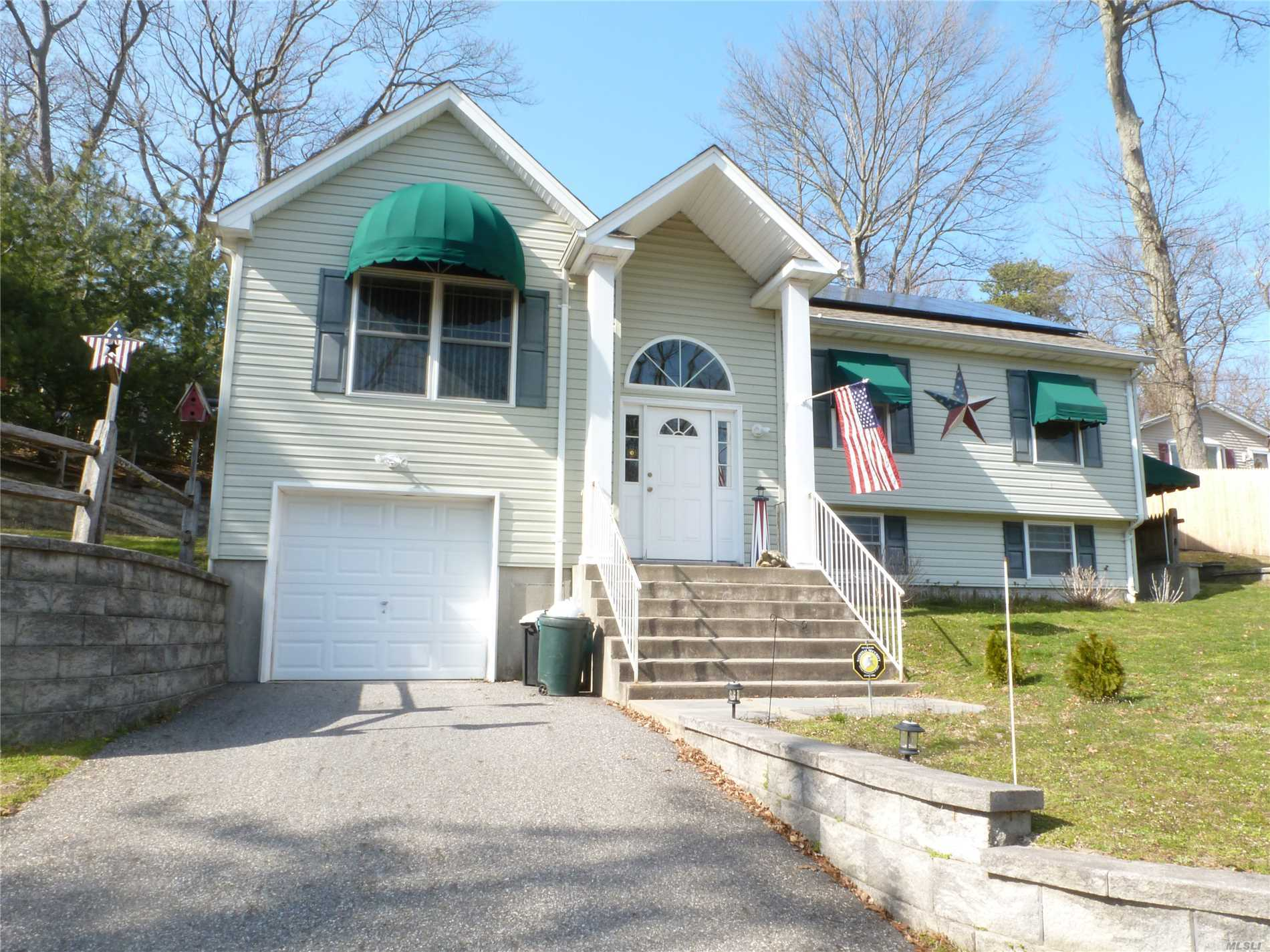 Photo of home for sale at 33 Yucca Rd, Rocky Point NY