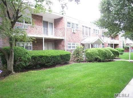 Property for sale at 26 Ivy St, Farmingdale,  NY 11735