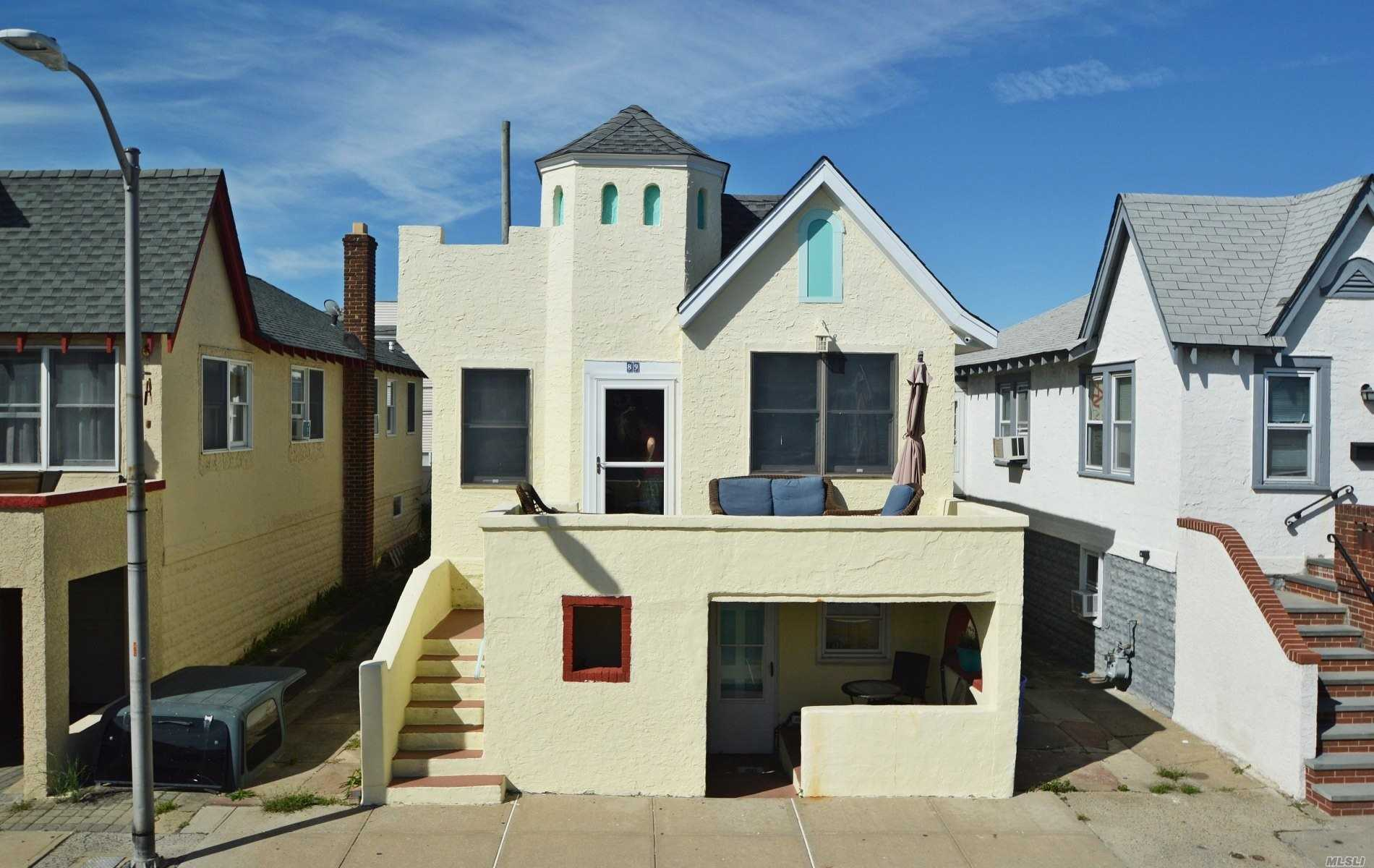 Photo of home for sale at 89 Florida St, Long Beach NY