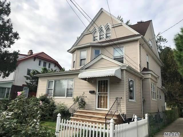 Photo of home for sale at 196-11 100 Ave, St. Albans NY