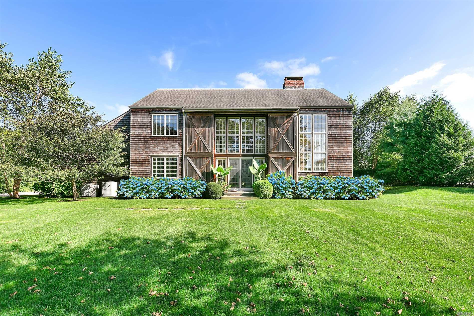 Photo of home for sale at 1 Millfarm Ln, Southampton NY