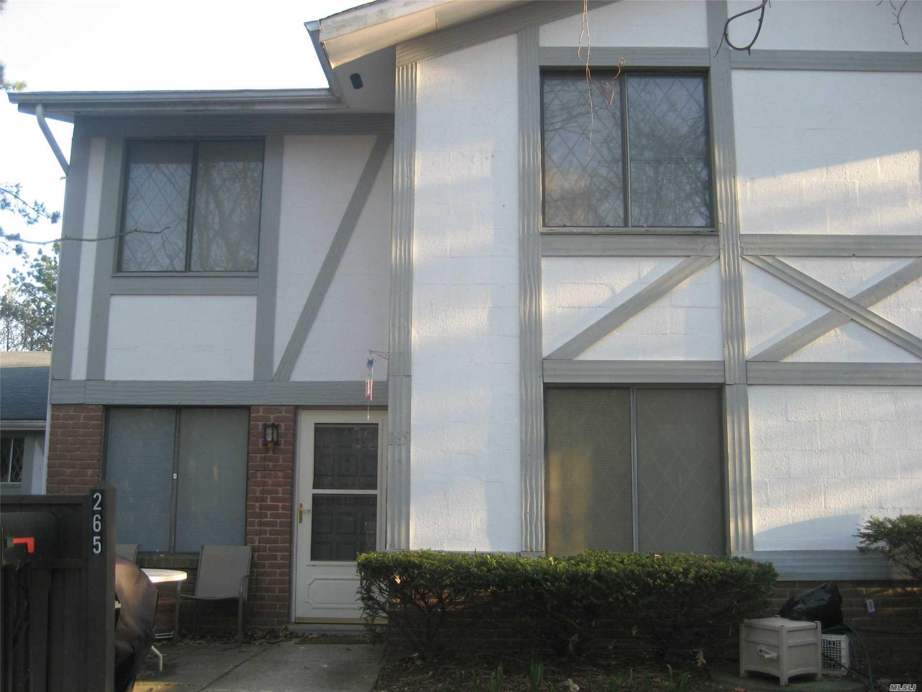 Property for sale at 265 Birchwood Rd, Medford,  NY 11763
