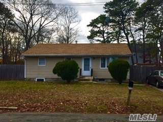Photo of home for sale at 106 23rd St N, Wyandanch NY