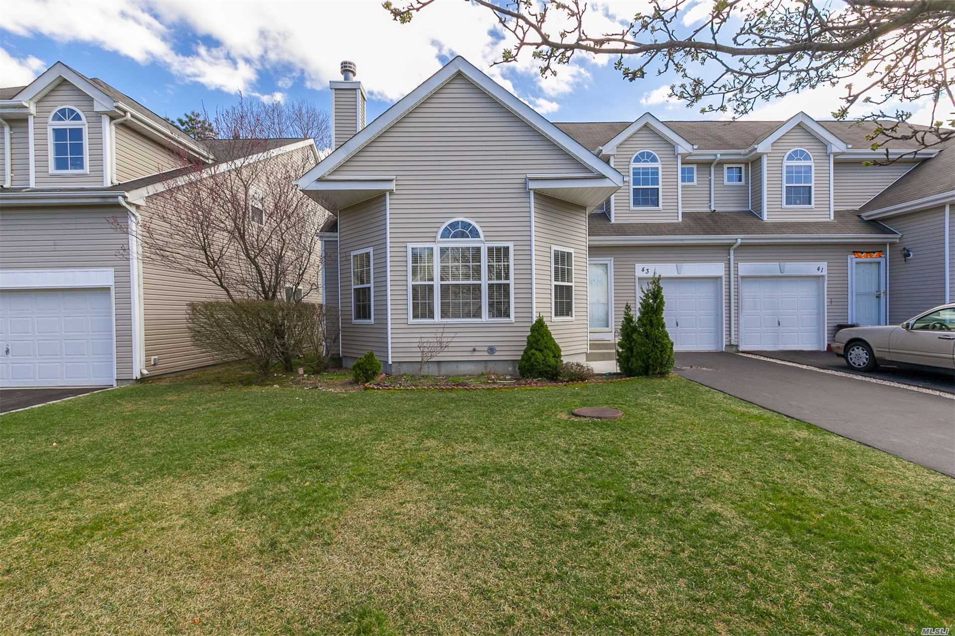Property for sale at 43 Sunflower Ridge Rd, South Setauket,  NY 11720