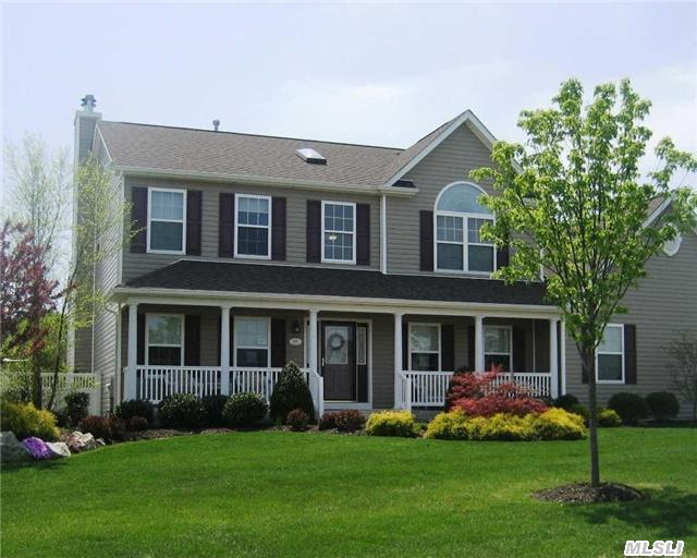 Photo of home for sale at 8 Sweet Woods Ct, Pt.Jefferson Sta NY