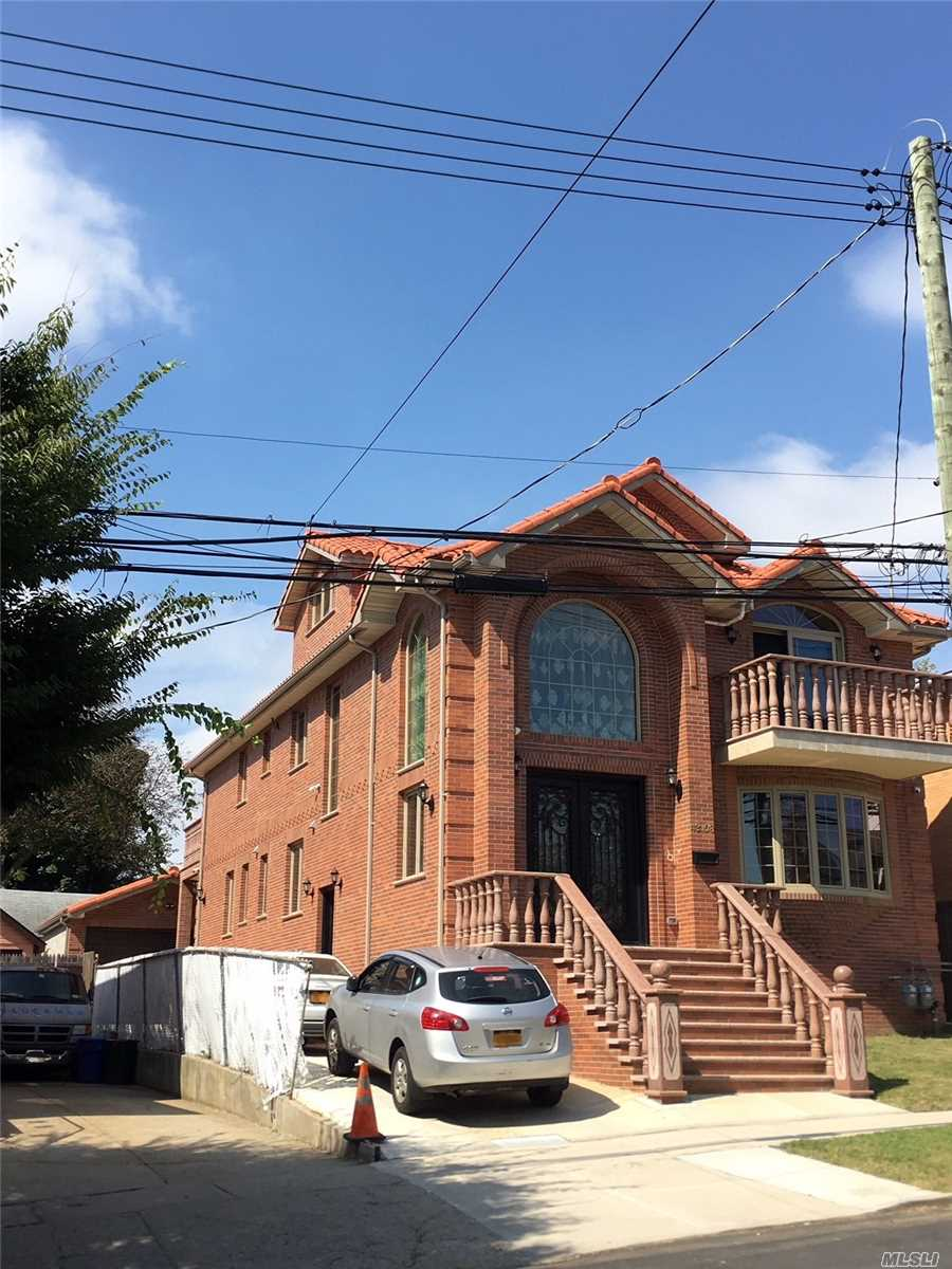 Photo of home for sale at 43-08 Murray St, Flushing NY