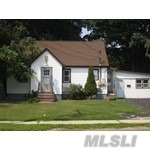 Photo of home for sale at 675 Nicolls Rd, Deer Park NY