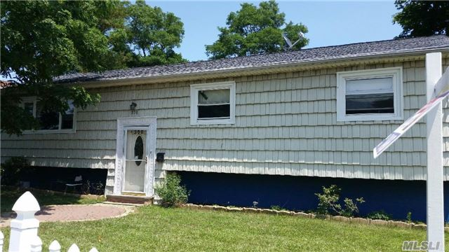 Photo of home for sale at 358 Franklin St S, Hempstead NY