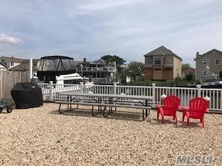 Photo of home for sale at 3427 Elliott Blvd, Oceanside NY