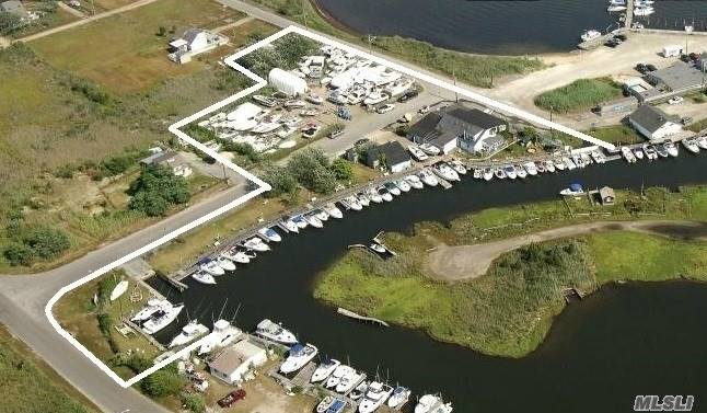 Photo of home for sale at 2 Floral Ct, Mastic Beach NY