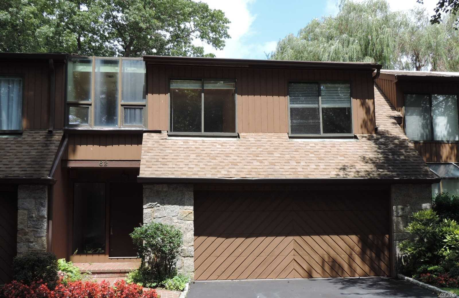 Property for sale at 62 Short Way, Roslyn Heights,  NY 11577
