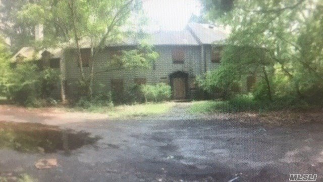 Property for sale at 168 Chichester Rd, Huntington,  New York 11743