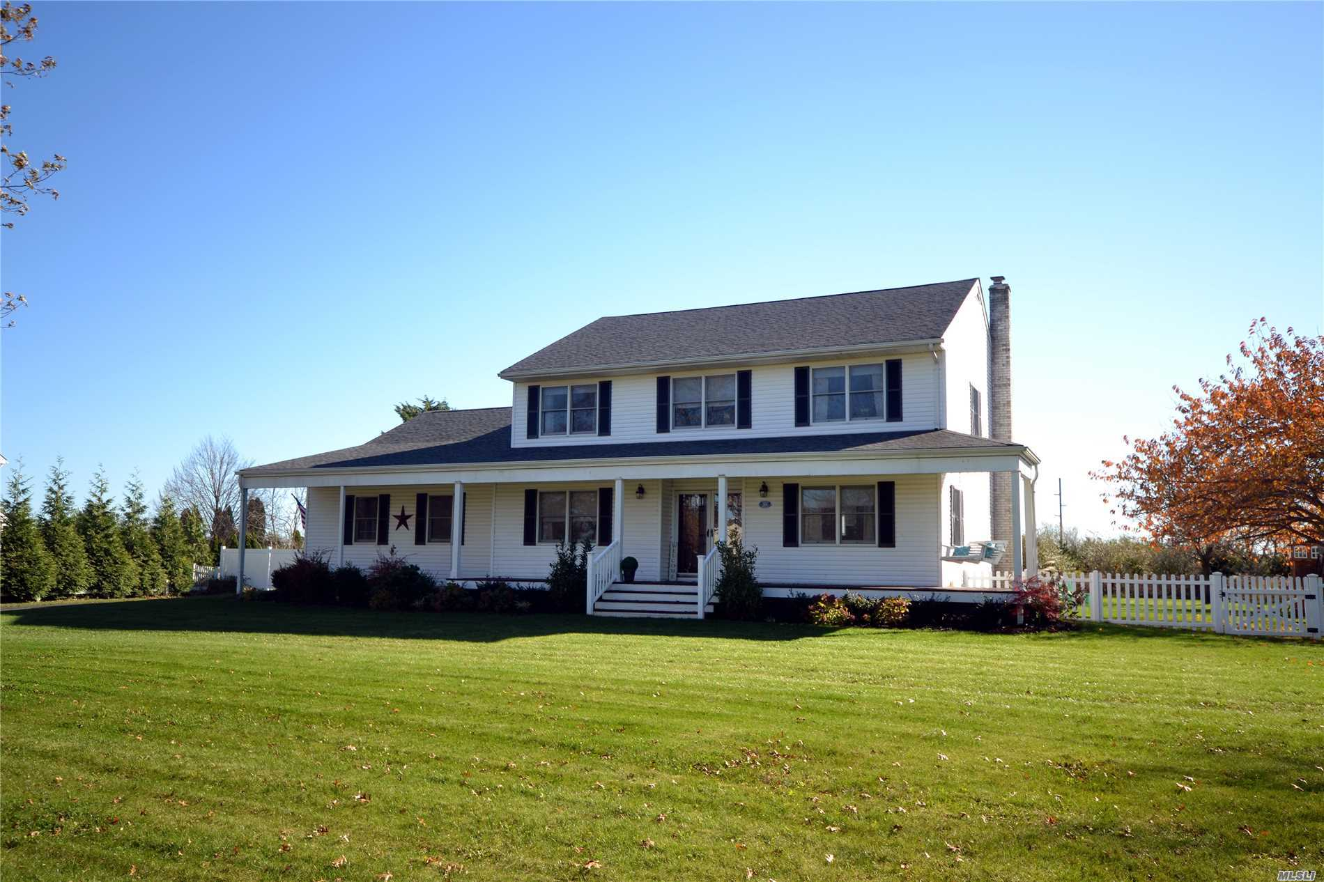 Photo of home for sale at 55 Jakes Ln, Baiting Hollow NY