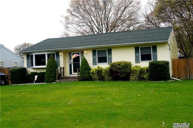 Photo of home for sale at 24 Cherry Ln, Medford NY