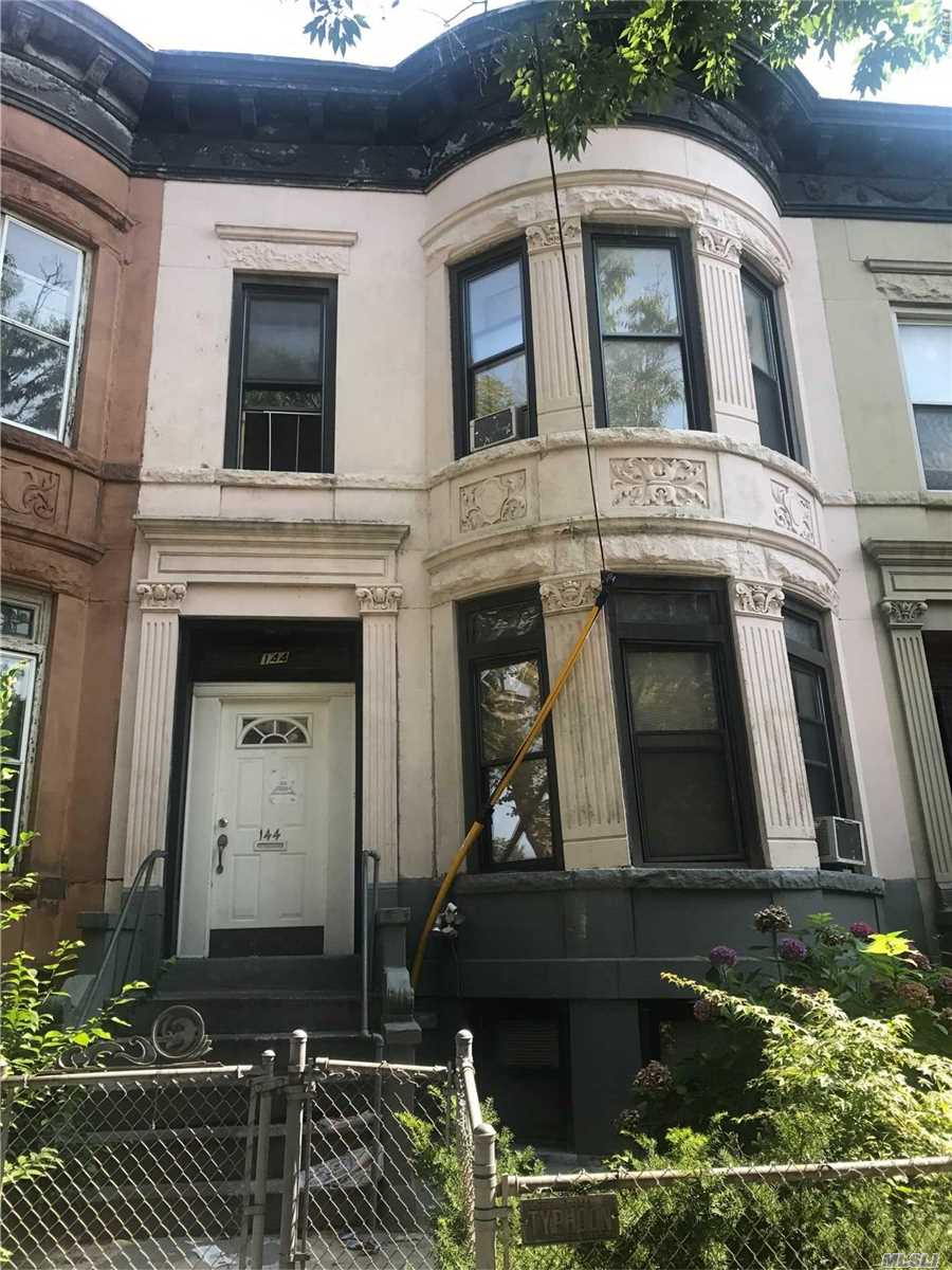 Photo of home for sale at 144 Sterling, Brooklyn NY