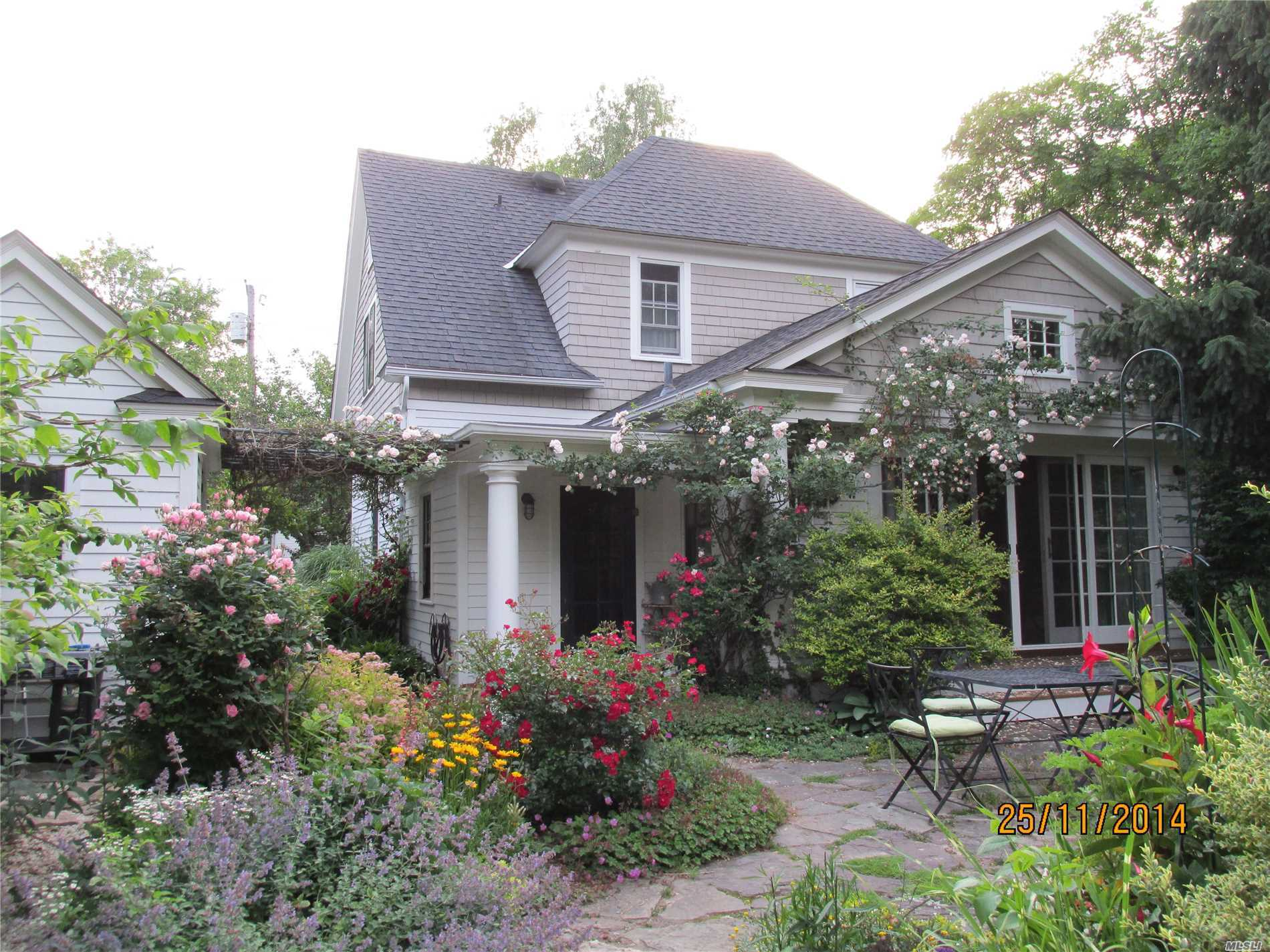 Photo of home for sale at 318 5th St, Greenport NY