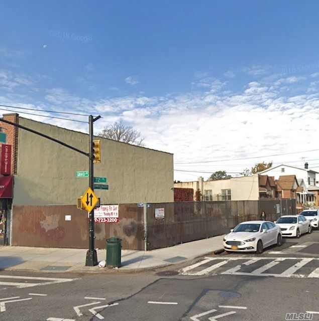 Photo of home for sale at 72-19 Grand Ave, Maspeth NY