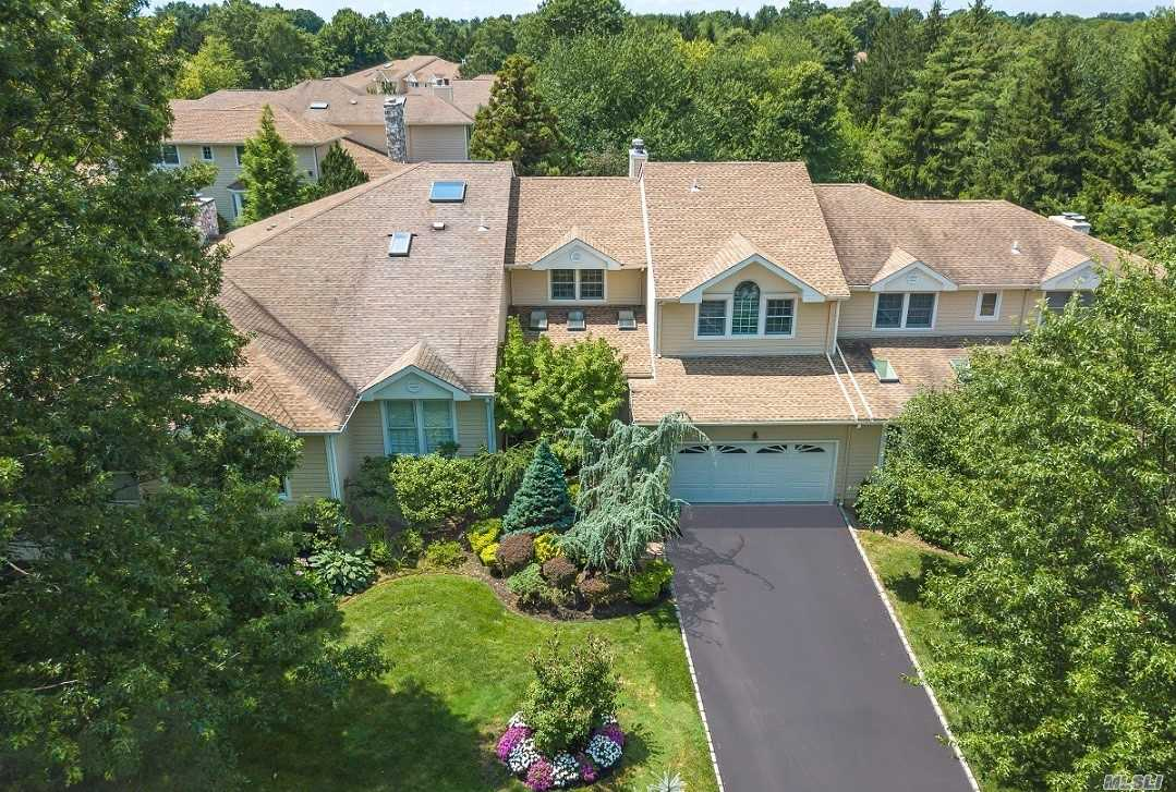 Property for sale at 103 Firestone Cir, North Hills,  New York 11576