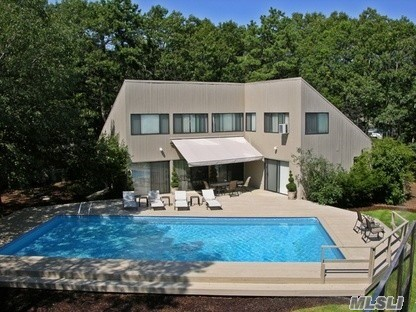 Photo of home for sale at 12 North Quarter Rd, Westhampton NY