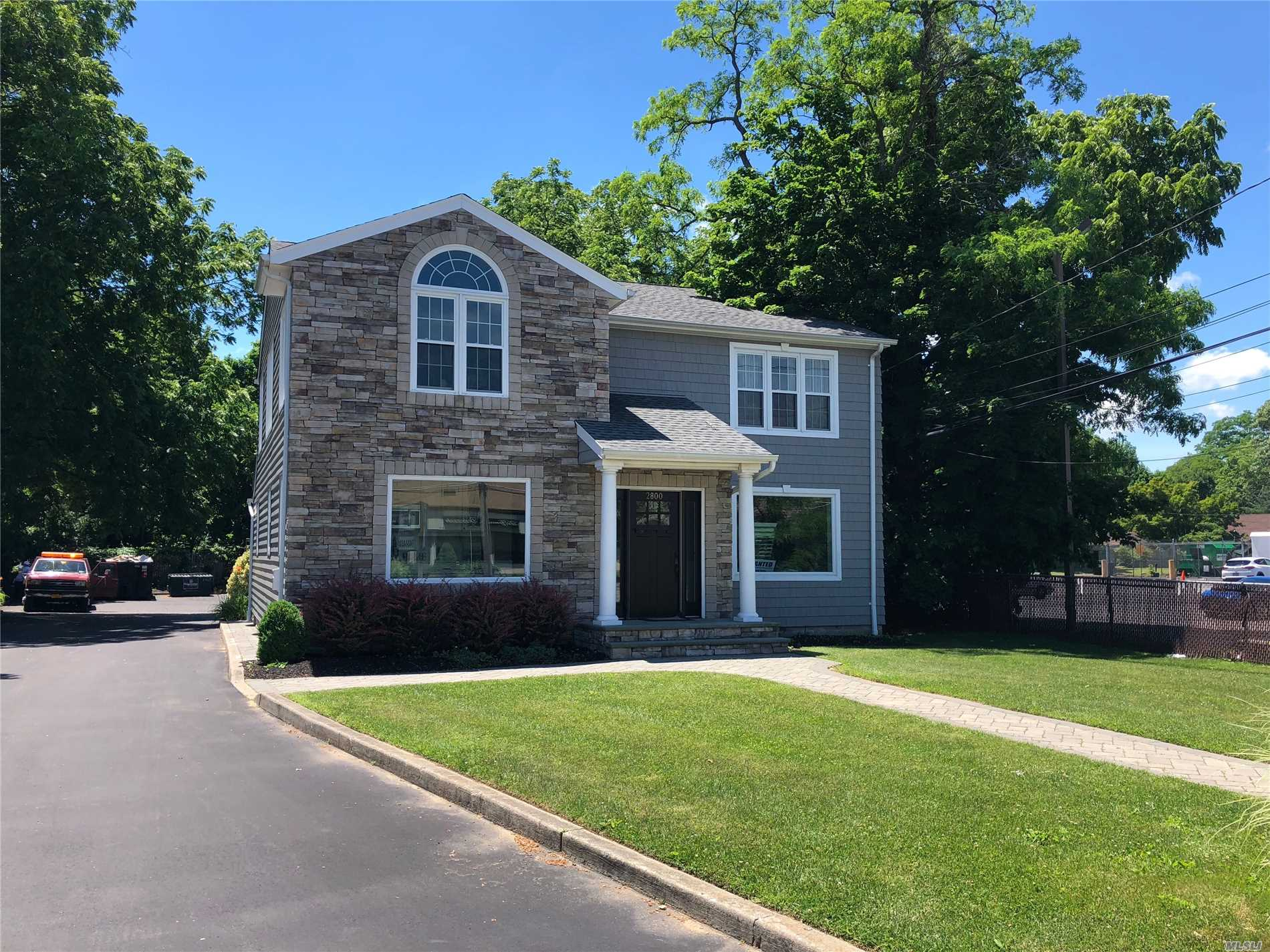 Photo of home for sale at 2800 Middle Country Rd, Lake Grove NY