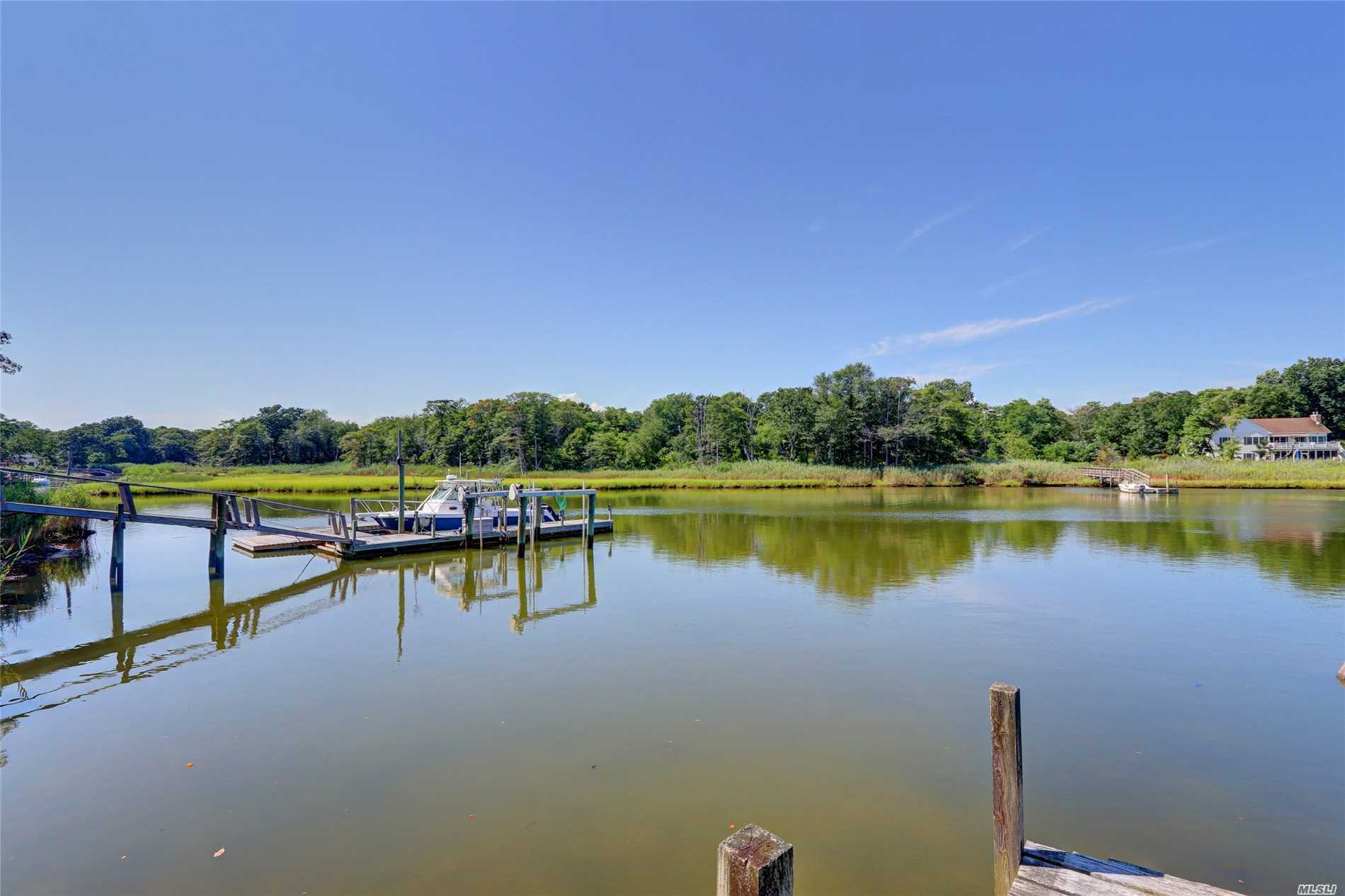 Photo of home for sale at 63 Wavecrest Dr, Mastic Beach NY