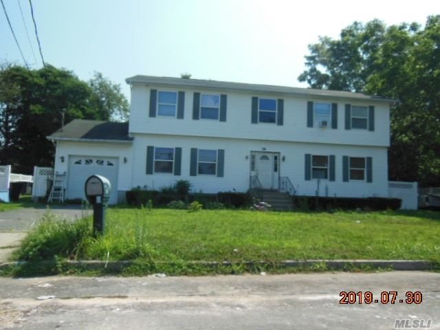 Photo of home for sale at 39 23rd St S, Wyandanch NY