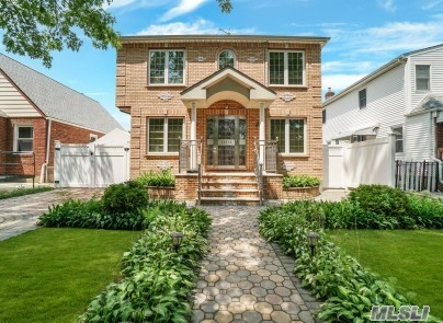 Property for sale at 263-15 83rd Ave, Floral Park,  New York 11004