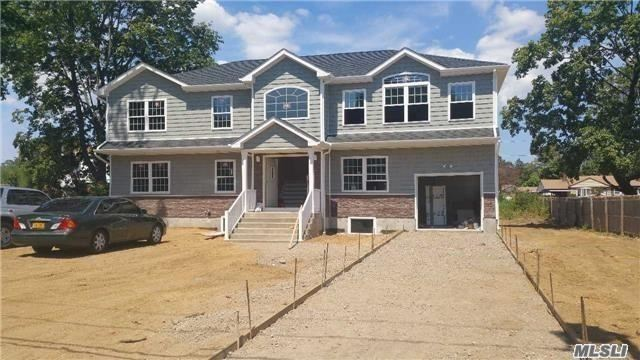Photo of home for sale at 23 West End Ave, Brentwood NY