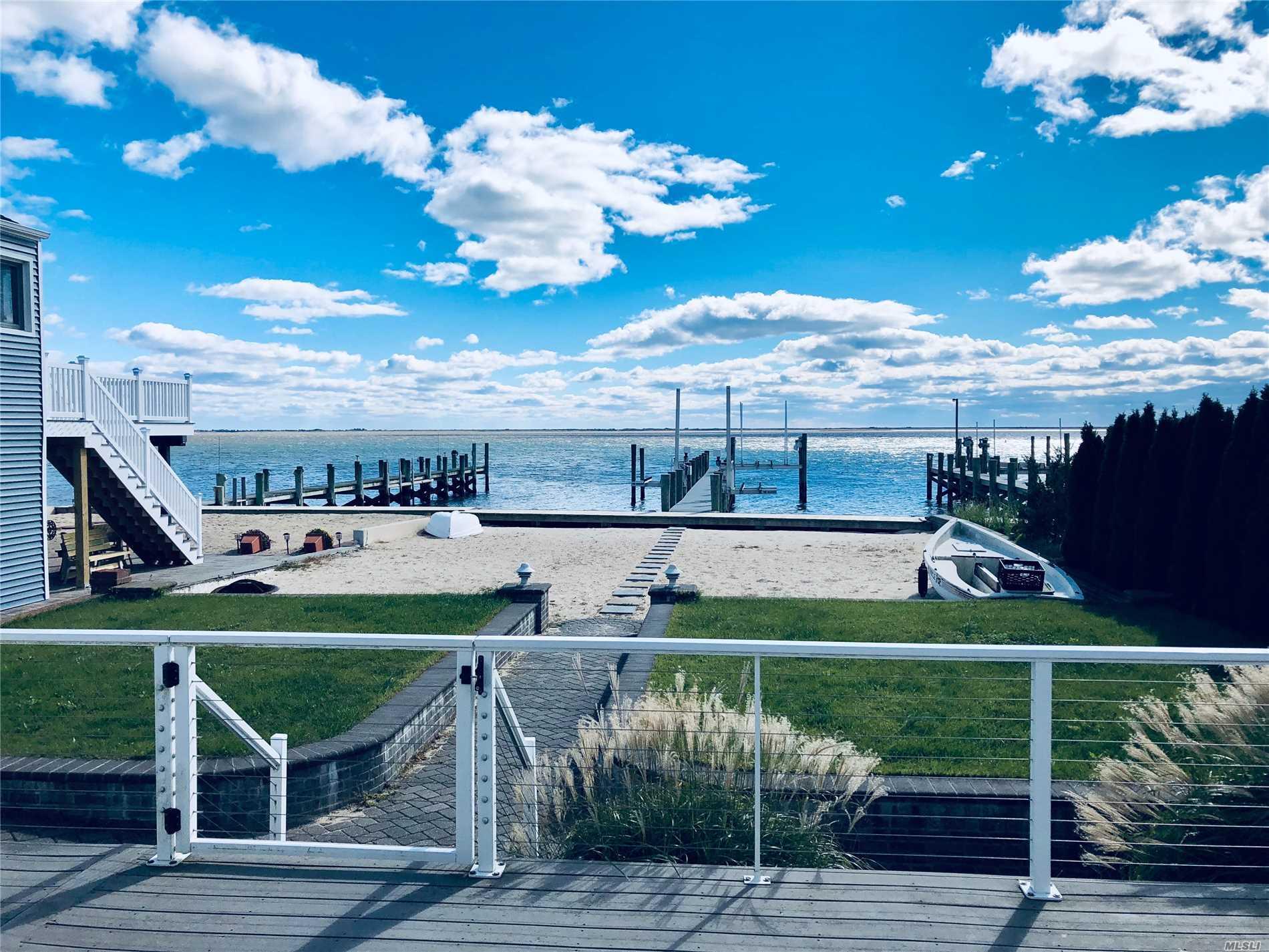 Photo of home for sale at 69 Beach Promenade E, Lindenhurst NY