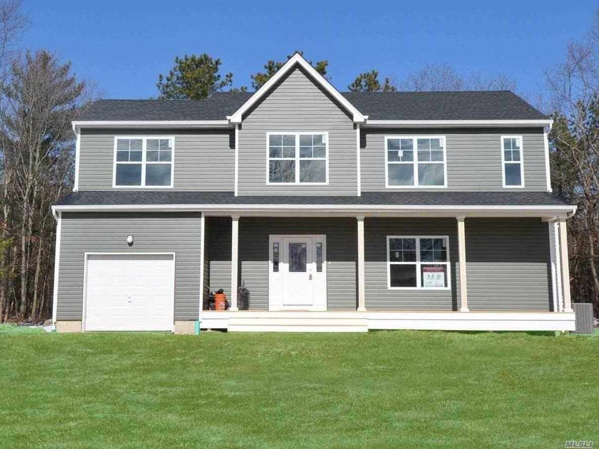 Photo of home for sale at 86 Country Rd, Medford NY