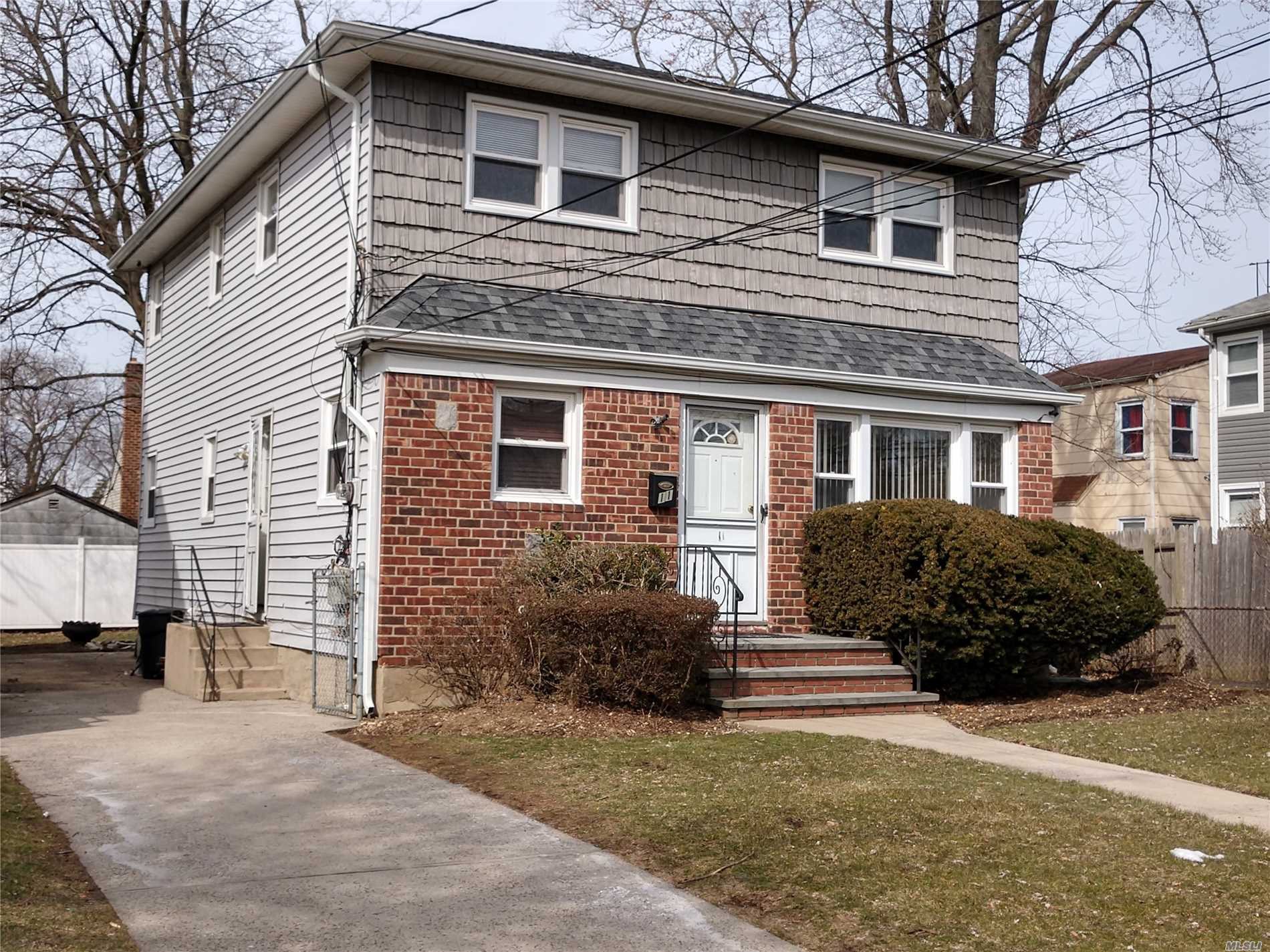 Photo of home for sale at 11 Elmwood Ave, Hempstead NY