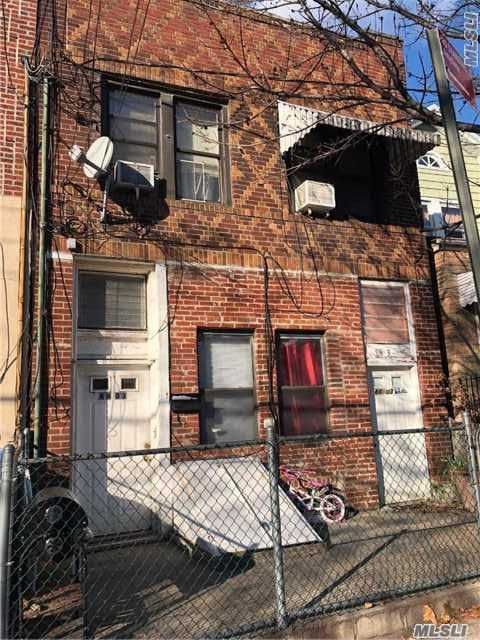 Photo of home for sale at 88-03 91st Ave, Woodhaven NY
